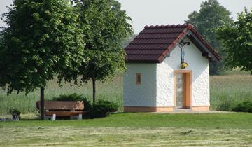 Kapliczka na bagnie